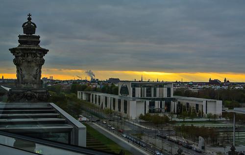 sunset berlin deutschland sonnenuntergang kati kuppel bundeskanzleramt germanchancellery reichtstagsgebäude nikon1v1 reichtstagdome