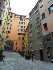 Genova, Piazza Trogoli di Santa Brigida