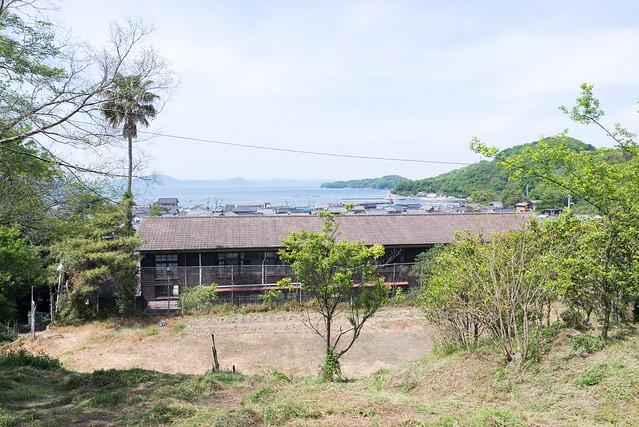真鍋中学校