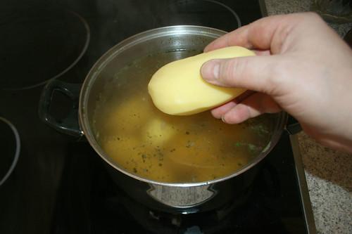 22 - Kartoffeln kochen / Cook potatoes