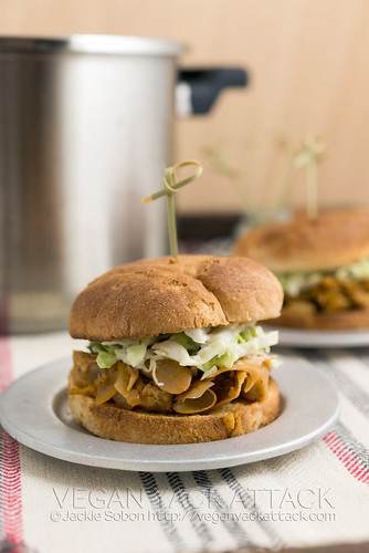 Pulled Jackfruit Sliders