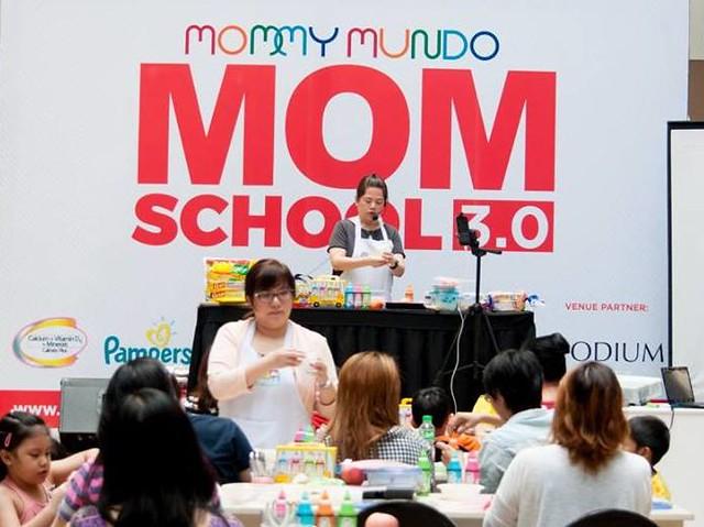 2 mom school