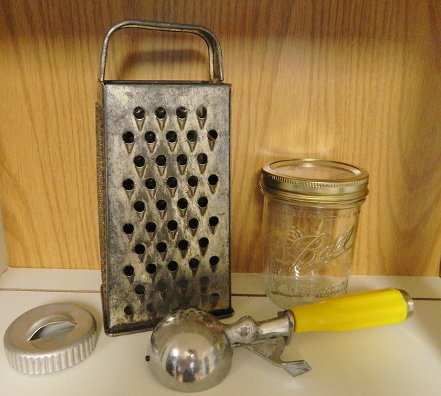1950s kitchen items