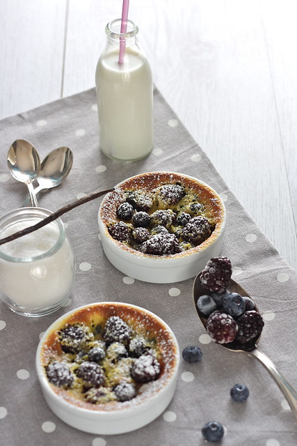 Clafoutis alle more e mirtilli