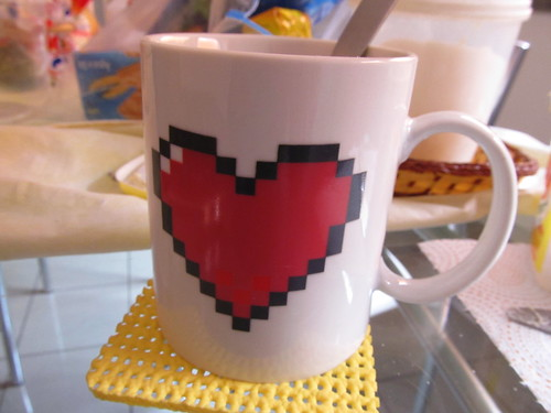 Heart Shaped Color Changing Ceramic Cup - MUG