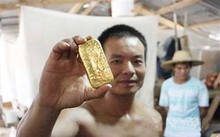 加纳政府为何对中国淘金者不客气