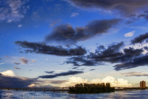 sunset clouds boats island florida palmtrees fortmyers caloosahatcheeriver