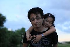 20130707-zozo拍爸爸背yoyo-1