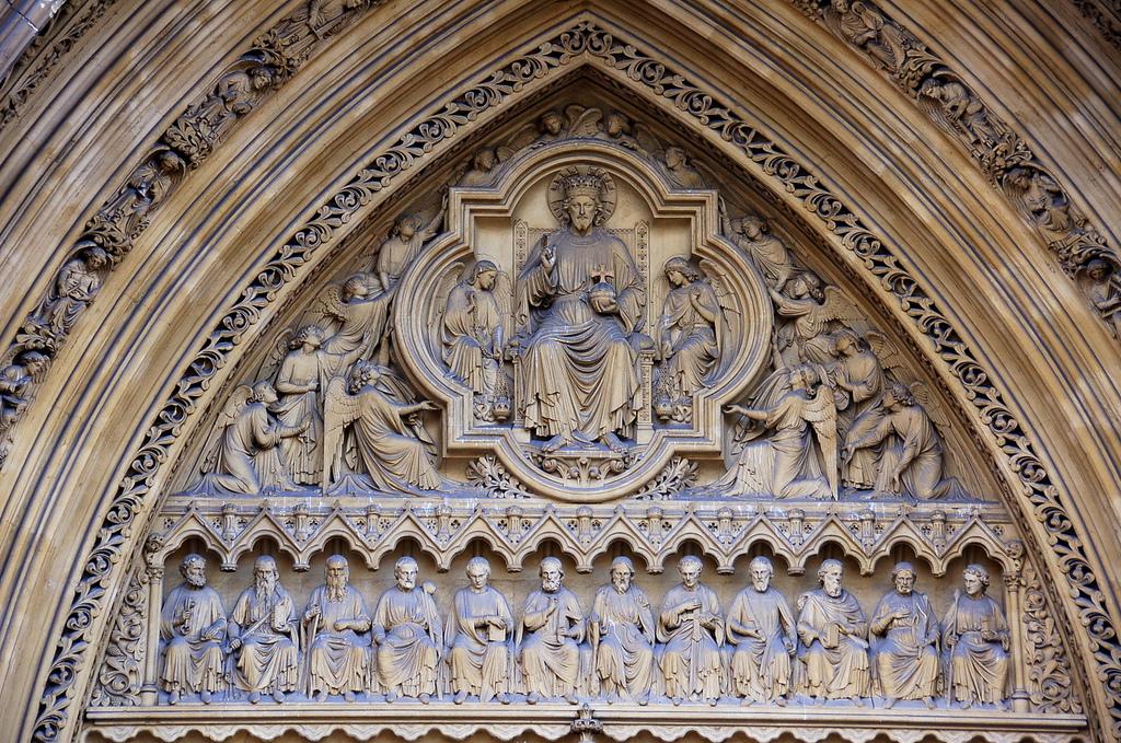 18. Detalle en la fachada de la Abadía. Autor, James.Stringer