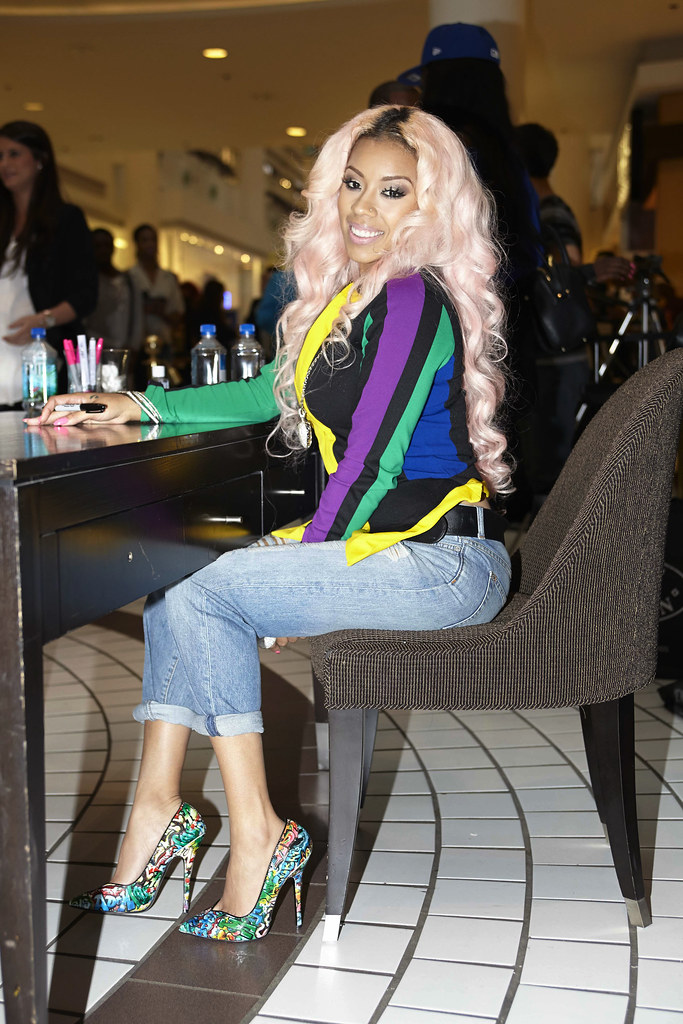 Keyshia Cole, Steve Madden, Pentagon City Mall
