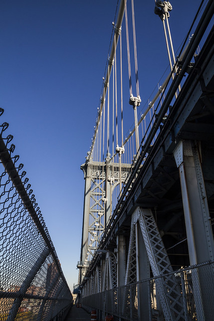 Walking the Manhattan Bridge