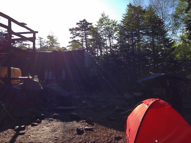 高見石小屋テント場