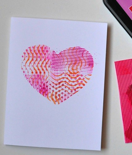 stenciled-heart-valentine