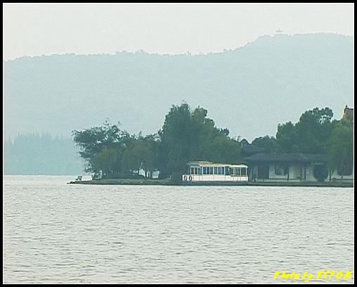 杭州 西湖 (其他景點) - 204 (白堤上的孤山 望向湖心亭)