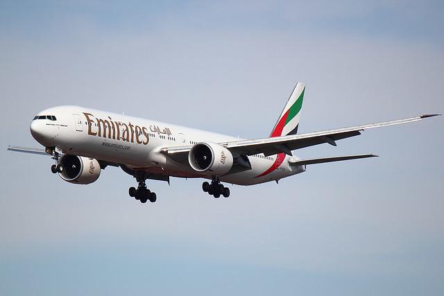 Emirates - B773 - A6-ECW (1)