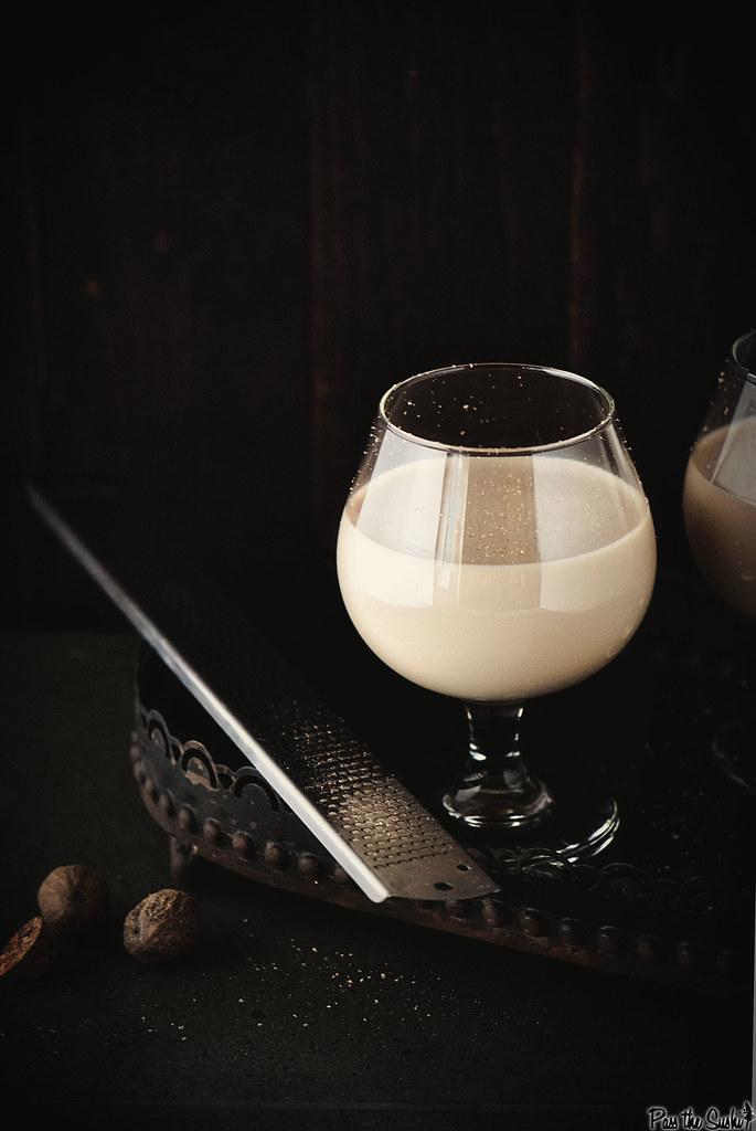 Brandy Alexander Cocktail || PasstheSushi.com