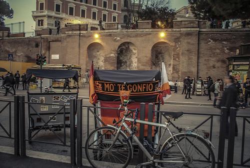 ROMA ARCHEOLOGICA & RESTAURO ARCHITETTURA: Comune di Roma, Ignazio Marino toglierà i bus Atac dai Fori Imperiali [il tutti gli altri camion bar e altri rifiuti per il turista tra il Colosseo e piazza Venezia rimane]. CINQUEQUOTIDIANO (30 01 2015).