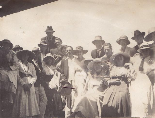 Wollongong Tennis Club c. 1918  [RAHS Photograph Collection]
