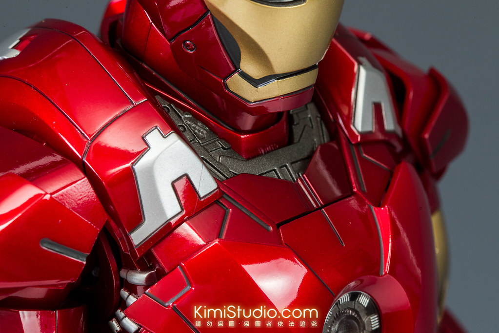 2013.06.11 Hot Toys Iron Man Mark VII-021