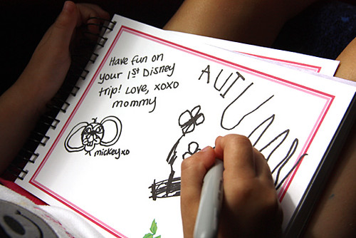 AKL_Mommy-signed-Autograph-book-close