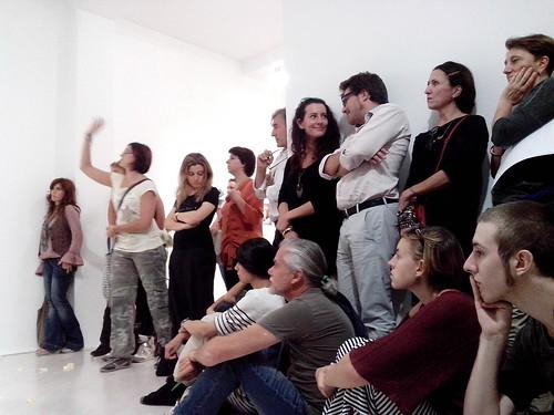 Il pubblico per Giovanna Lecarda by Ylbert Durishti
