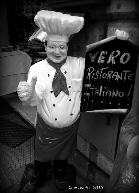 funny waiter in rome
