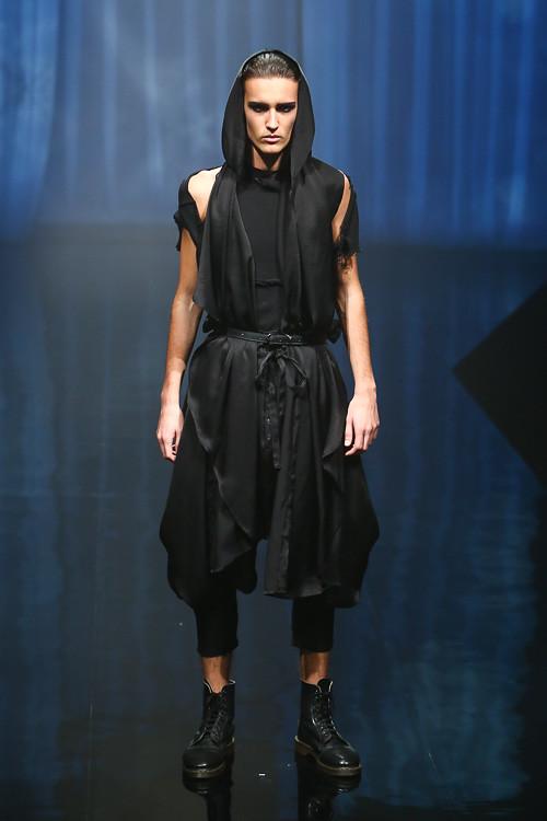 Dzhovani Gospodinov3100_SS14 Tokyo alice auaa (Fashion Press)