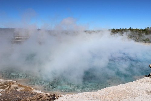 IMG_2121_Excelsior_Geyser_Crater_in_Midway_Geyser_Basin