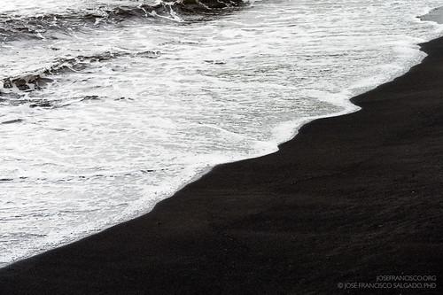 usa blacksand hawaii us nikon surf unitedstatesofamerica nikkor d4 bigislandofhawaii pahala punaluubeach kaudistrict arenanegra 2470mmf28g kaʻū 2013060918710