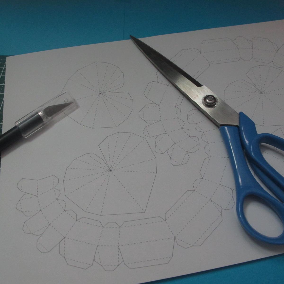 วิธีทำของเล่นโมเดลกระดาษรูปหัวใจ 001