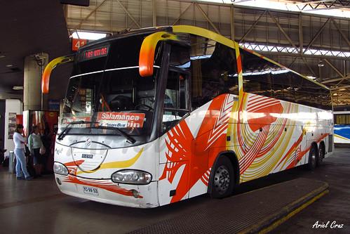 Atacama Vip (Pullman Bus) en Terminal San Borja | Irizar Century 3.90 (6x2) / YC9953