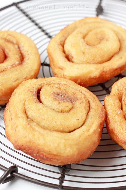 cinnamon-roll-donuts