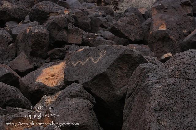 Petroglyph NM glyphs 03