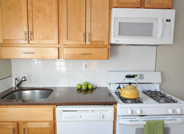 Katie s kitchen reno part iii diy del ray for How to make old cabinets look modern