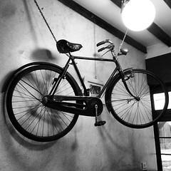Bici, cicheti e vin nel bacaro di calle Chioverete a Venezia
