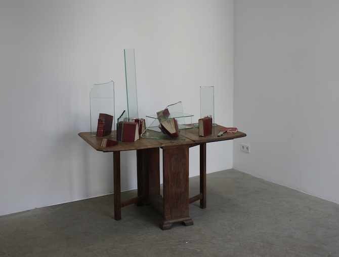 John Latham_Table with the law 1988_BQ Berlin