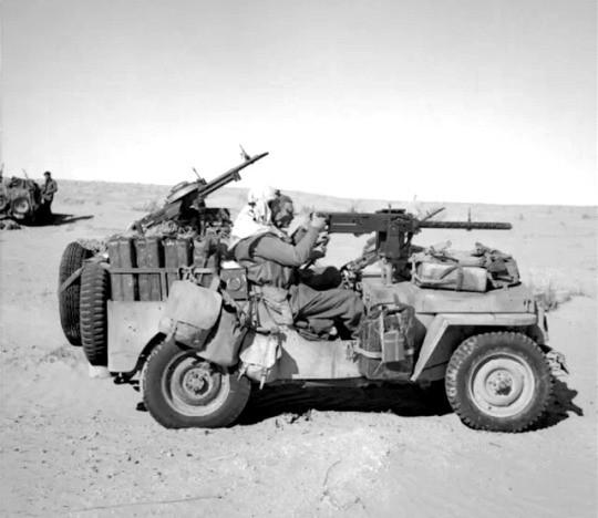 jeep dans le désert