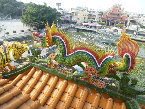 Ta-Kaohsiung-Lotus Pond-Dragon et Tigre (11)