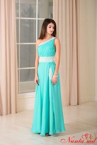 Decoperă colecţia impunătoare a rochiilor de ocazie de la ELEGANT DRESSES