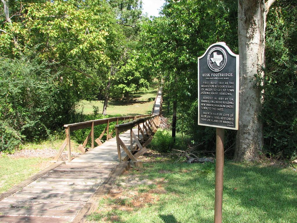 Hotels Near Lake Cherokee In East Texas