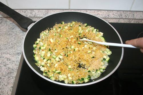 37 - Reisnudeln andünsten / Braise rice noodles