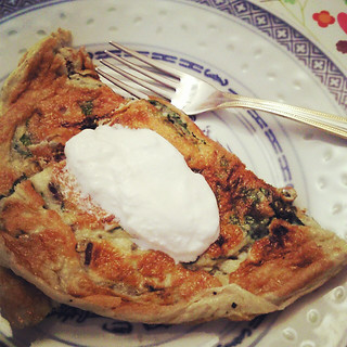 Chard omelette with sour cream
