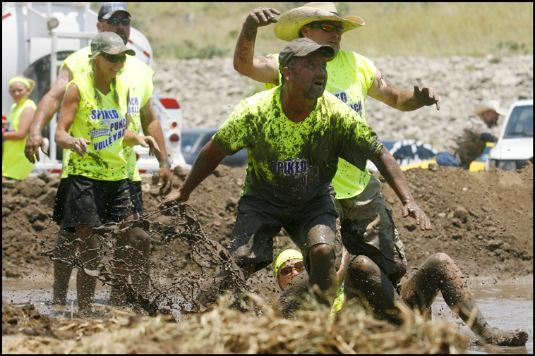 MudVolleyball06