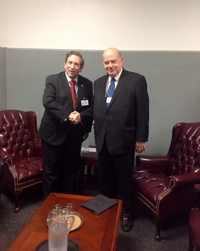 Secretary General Meets with the Foreign Minister of Panama