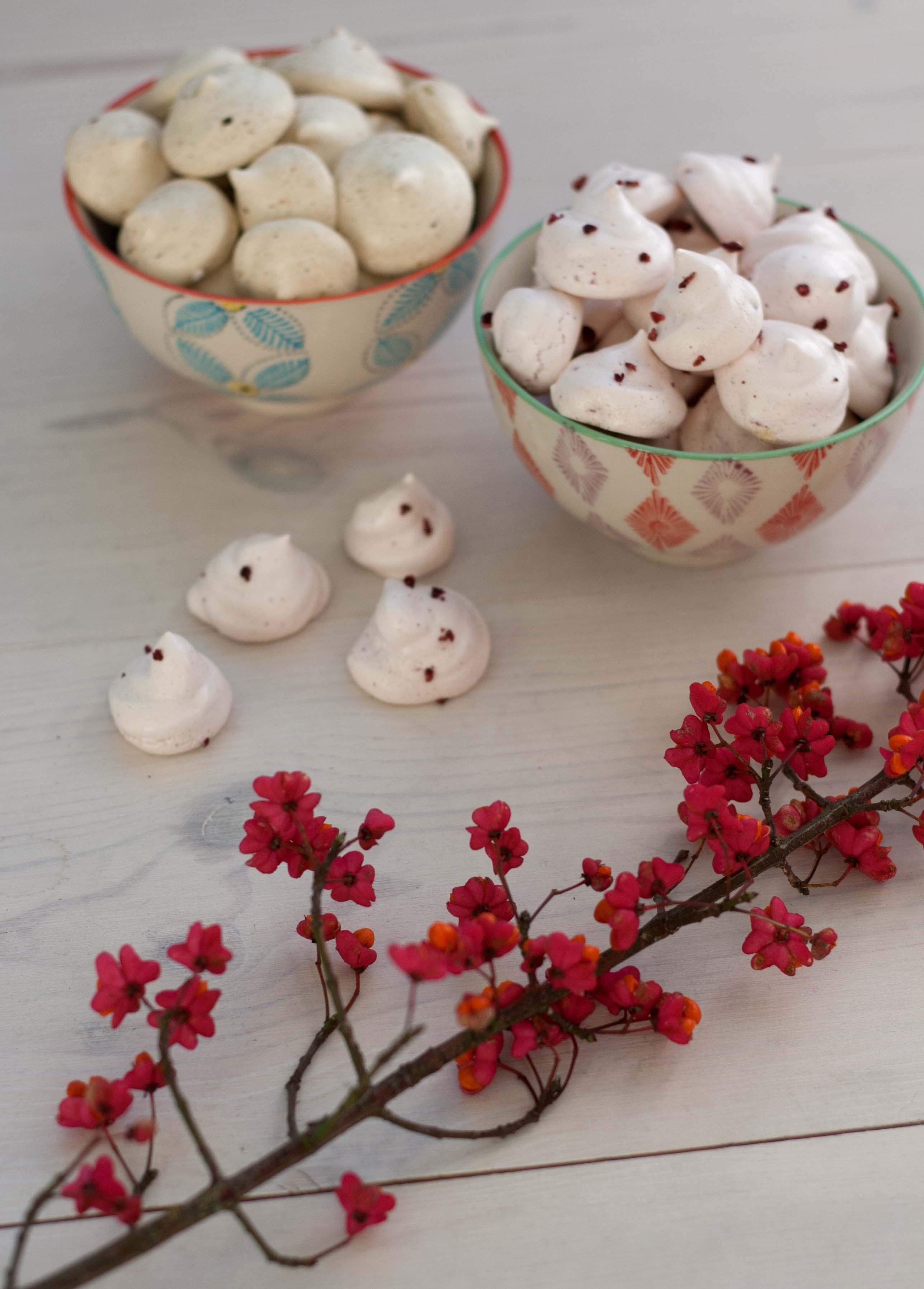 Små marengskys med lakrids og hindbær