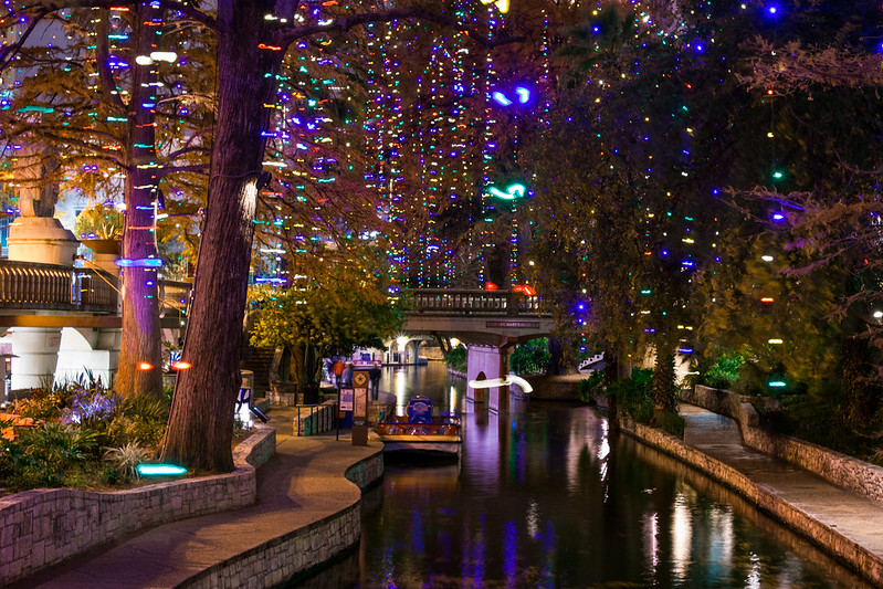 san antonio riverwalk christmas lights