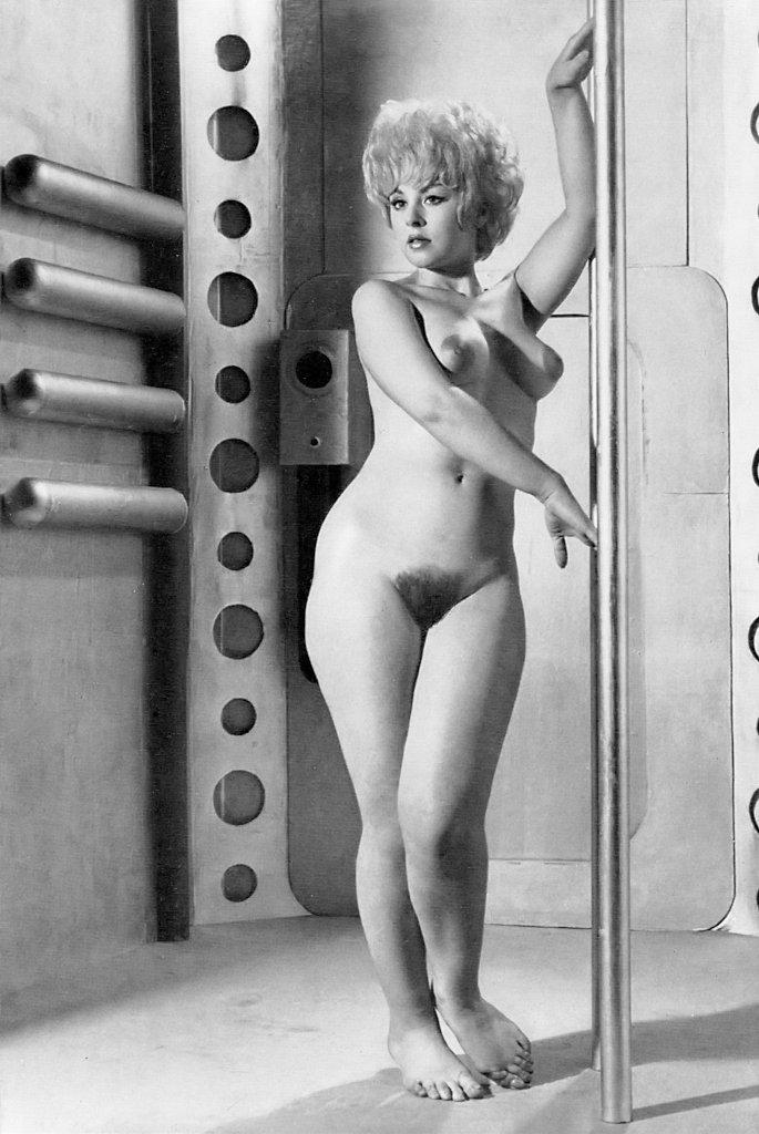 Jayne Tracey – Revue No.46