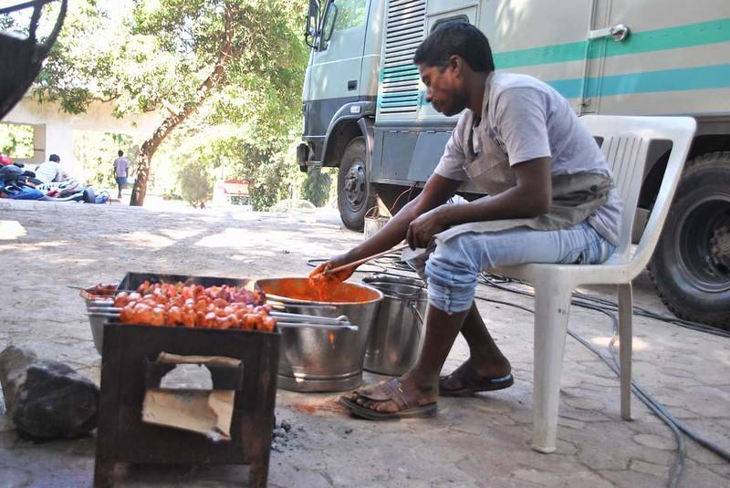 72 catering en rodaje en Mumbai (102)