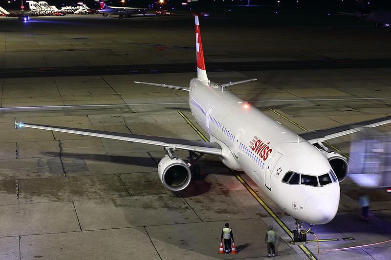 Swiss - A321 - HB-IOC (1)