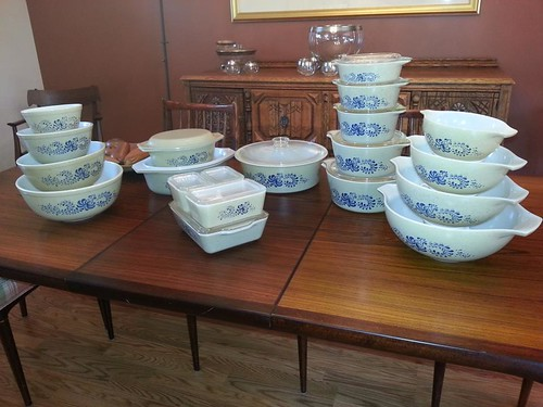 Pyrex Homestead collection
